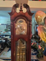 Howard Miller Grandfather Clock Model 660-211 Limited Edition. Manual And 🗝️
