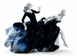 Lladro, Night Approaches Women Figurine. Limited Edition 8741