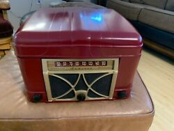 Antique Radio/ Record Player Admiral 6v12-n