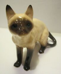 Vintage COOPERCRAFT Siamese Cat Porcelain Figurine Made in England 5 1 2quot; Tall