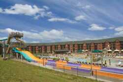 Wyndham Glacier Canyon At Wisconsin Dells July 5 For 3 Night 3 Bedroom Deluxe