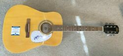 Willie Nelson Signed F/s Acoustic Guitar Country Singer Shotgun Texas Bas