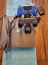 Ps4 Pro -2tb Hd - 3 Controllers - 7 Games