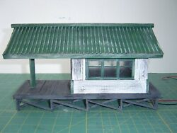 """Built - O """"passenger Station For Lionel New Condition"""