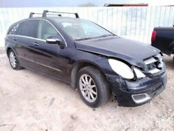Driver Fender 251 Type R350 Fits 06-10 Mercedes R-class 222560