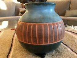 5 1/4 Native American Pottery Clay Vase Pot Signed Savage
