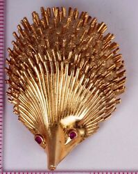18k Yellow Gold Hedgehog Brooch/pin With Ruby Eyes