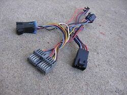 1995 95 SUBURBAN CK 1500 CLIMATE CONTROL UNIT ADAPTER CONNECTOR PLUG HARNESS