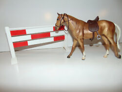 Breyer Traditional Horse W Saddle Acces. PLUS EXTRAS Beautiful Horse RARE ***