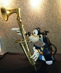 Extremely Rare! Walt Disney Goofy Playing The Bassoon Symphony Hour Fig Statue