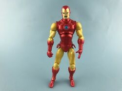 MARVEL UNIVERSE IRON MAN 2009 FROM classic target exclusive vs black panther set