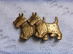 Vtg Scottish Terrier Scottie Terrier Dogs Pin Gold-Tone wFinely Etched Details