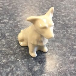 Belleek West Highland Terrier. Porcelain Dog. Sixth Mark 1965-1980. #0857 MINT