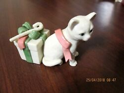 PRETTY LENOX CAT FIGURINE  PACKAGE RIBBONS WHITE CAT PINK GREEN RIBBONS MARKED