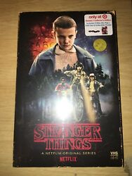 Stranger Things Complete Season 1 Blu-Ray + DVD + poster (Target Exclusive)