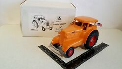 Minneapolis Moline Comfort Udlx 1/16 Diecast Tractor Replica By Scale Models