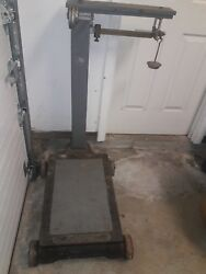 Fairbanks Platform Scale Capacity 500 Lbs.on Wheel In Perfect Working Condition