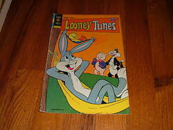 Looney Tunes 10 1976 Vintage Comic Book Bugs Bunny Tweety And Sylvester Porky Pig