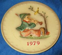 Goebel Hummel 9th Annual 1979 Singing Lesson Platehum 272 Hand Painted 7.5