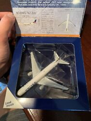 Gemini Jets United Airlines Boeing 767-300 W 1400 In Stock. Plane Is Mint.