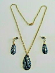 Bouchet Agateware Necklace And Earrings With Blue Veined Stones