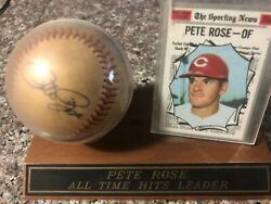 Pete Rose Autograph Baseball wsporting news baseball card Sports Collector