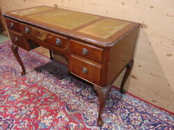 Edwardian Writing Desk In Mahogany And Embroidered Leather