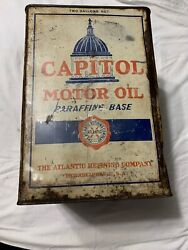 Vintage 2 Gallon Atlantic Capitol Motor Oil Gas Service Station Tin Oil Can
