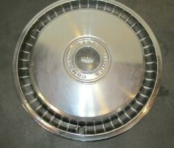 Vintage Late 1960and039s- 1970and039s Ford Motor Company Wheel Cover 15 Lqqk