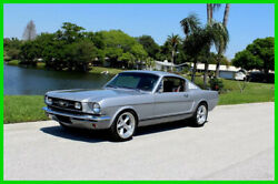 1965 Ford Mustang FASTBACK RESTOMOD  AIR CONDITION 1965 Ford Mustang Fastback Restomod Boss 302 Ford Racing Crate Engine 5 Speed