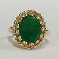 Estate Jewelry Ladies Oval Green Jade Ring 14k Yellow Gold Size 4.5