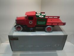 Speccast Limited Edition Vintage Steel Replica Texaco Flatbed Truck W/ Oil Drums