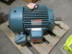 15 Hp Reliance Elect. Duty Master Elect. Motor W/ Space Heater 460 Vac 3 Ph New
