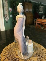 Lladro Couplet Lady With Dog A 1920's Flapper Girl Figurine 5174 - 13.5 Inches