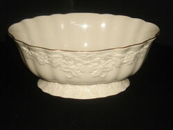 Lenox Holiday Hostess Collection Ivory W/24k Gold Trim 11x 8 X 4.5 Oval Bowl