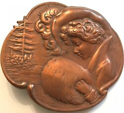 Art Nouveau 1920' Lady With Fur Muff/feathered French Hat Bronze Pin Brooch
