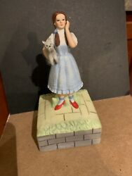 Wizard Of Oz Dorthy And Toto Music Box Symour Mann. Llc 1981