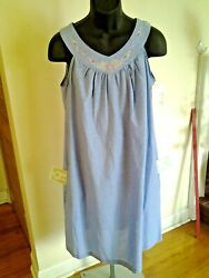 GALS MED 8-10 BREAKFAST GOWN WHITE STAG'S  BLUE BROADCLOTH TOP IS DESIGNED A+W9W