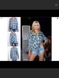 Nwt The Laundry Room Thoreau Plaid Split Back Shirt Size M $35.00