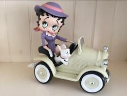 Extremely Rare Betty Boop Driving In Car Figurine Statue