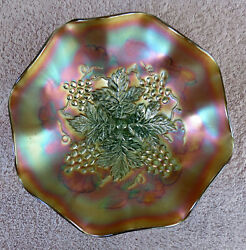 Northwood Grape Leaves W Stippled Blossoms And Palms Green Carnival Glass 9 Bowl