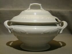 Antique George Jones White Ironstone Fuscia Pattern Soup Tureen And Cover C. 1851