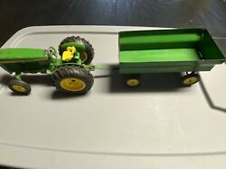 Vintage Ertl Toys John Deere Utility Tractor 584 With Wagon 116 Made In Usa