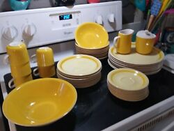 Mikasa Pastelle D6300 And D6301 Dish Set In Very Good Shape For Its Age