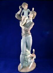 Lladro Walking With Father Christmas Gift Rare Soldout