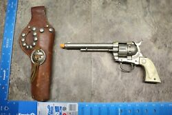 1950s Vintage Hubley Toy Cap Gun Revolver With Steer Grips And Holster 108b