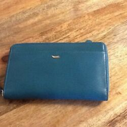 Woman#x27;s wallet by Tusk Leather $40.00