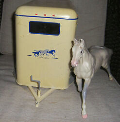 Rare Breyer Traditional Size Horse Trailer With Horse 2002 2615 Tlc.