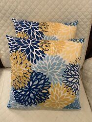 """2pc Set Flowers Floral Design Throw Pillows Complete 18""""x 18"""" Couch Pillows"""