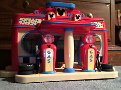 Disney Gas N Wash Car Station Play Set Mickey Mouse Clubhouse Station Toy